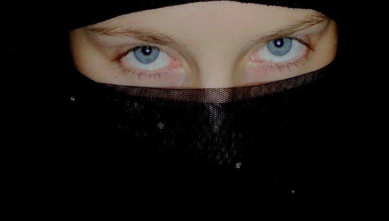 Universitāte Vācijā aizliedz studentiem ierasties lekcijās ar nikabiem un parandžām