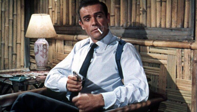 Superspiegs, vīrišķības etalons un Aukstā kara simbols: 10 labākās Džeimsa Bonda filmas