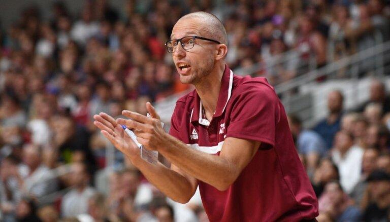 Pārvarēt negācijas un izcīnīt sudrabu. U-18 basketbola izlases treneris Visockis-Rubenis par paveikto EČ