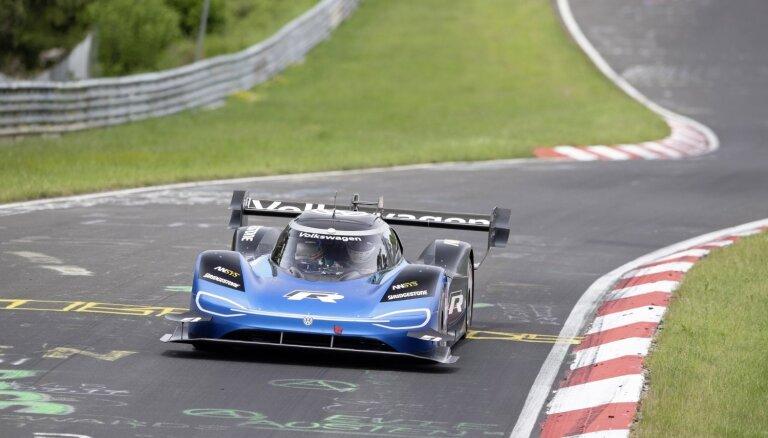 Paikspīkā uzvarējušais elektriskais VW uzstādījis arī Nirburgringas trases rekordu