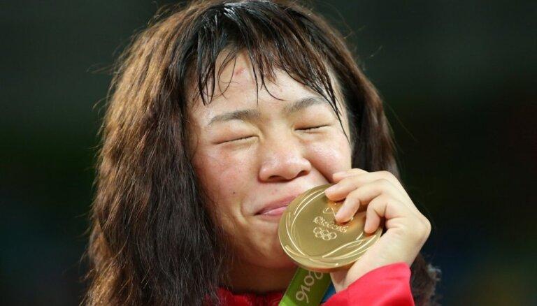 Grigorjevu pieveikušās cīkstones izcīna medaļas Rio spēlēs