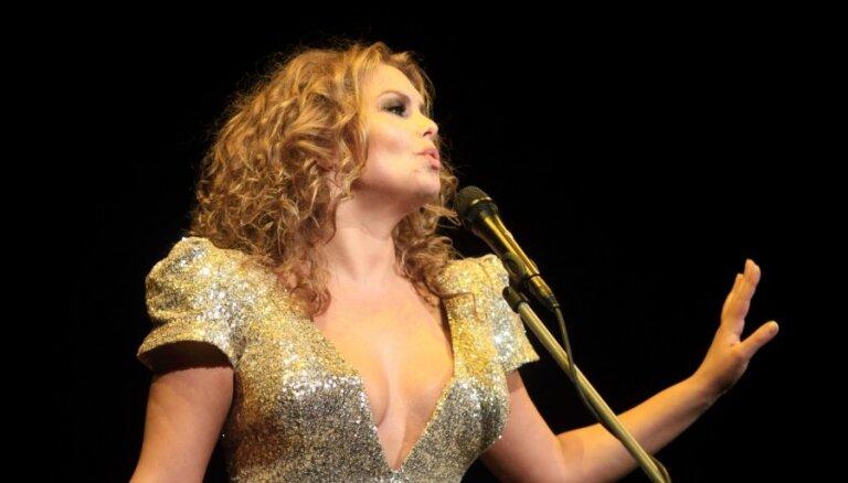 Linda Leen uzsāk koncertsēriju 'Cinema' un piedāvā jaunu dziesmu