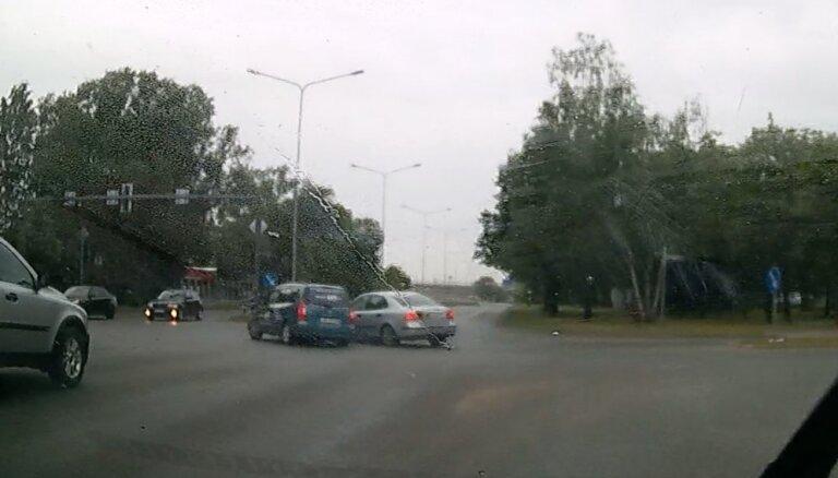 Autoavārija Krustpils ielā