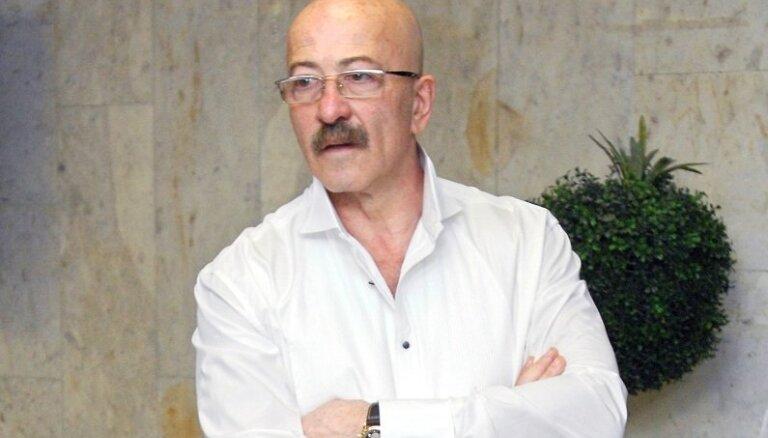 ВИДЕО: Александр Розенбаум перепел хит Ольги Бузовой