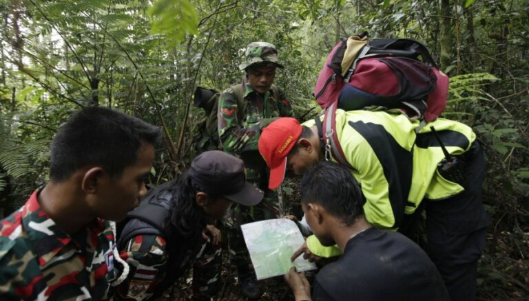 """У """"Сухого"""" опровергли """"бредовые"""" версии падения SSJ-100 в Индонезии"""