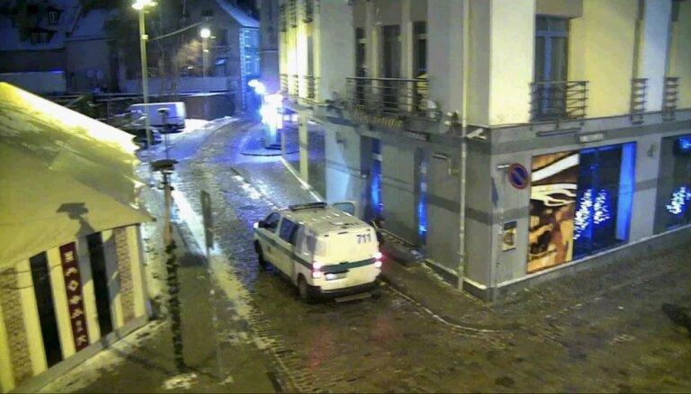 Полиция помешала страстным гражданам Германии и России, занимавшимся сексом на улице (ВИДЕО)
