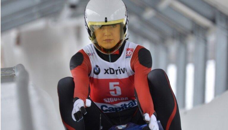 Kamaniņu braucēja Zirne izcīna 12. vietu Pasaules kausa piektajā posmā