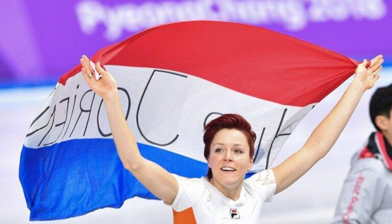Ter Morsa ar jaunu olimpisko rekordu turpina Nīderlandes dominanci ātrslidošanā