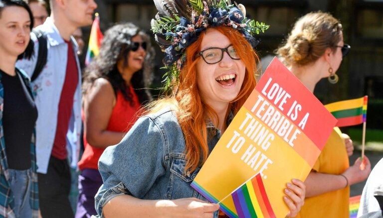 Noklausies! Baltijas praida noskaņās – pirmā geju un lesbiešu himna