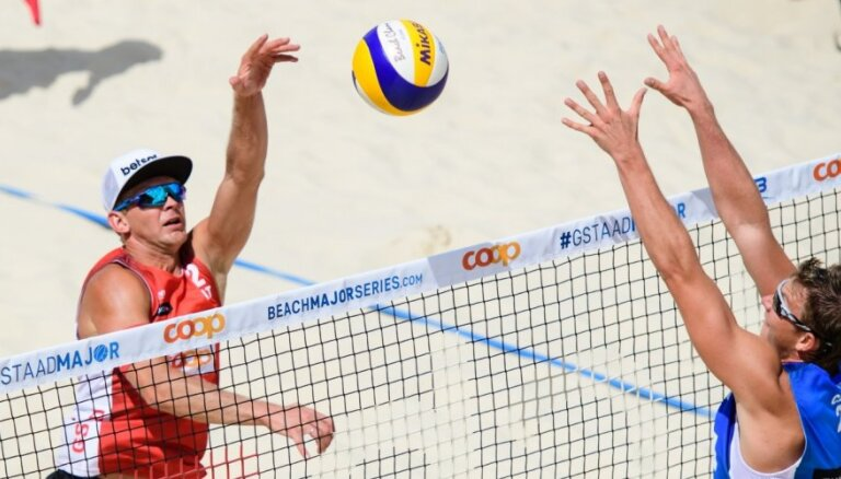 Abi vadošie Latvijas pludmales volejbola dueti sasniedz Gštādes piecu zvaigžņu turnīra astotdaļfinālu