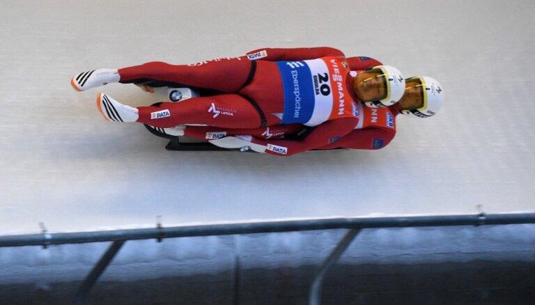 Brāļi Šici Siguldā izcīna Eiropas čempionāta sudraba medaļas kamaniņu braukšanā