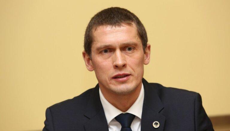 Бизнесмена, предложившего Юрашсу взятку в 70 000 евро, посадили на три года