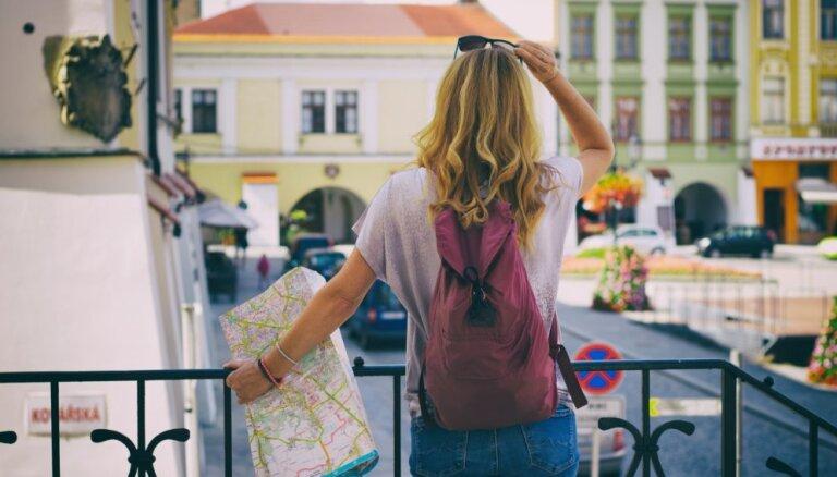 Es un ceļasoma: aizraujoši pieredzes stāsti par ceļojumiem vienatnē