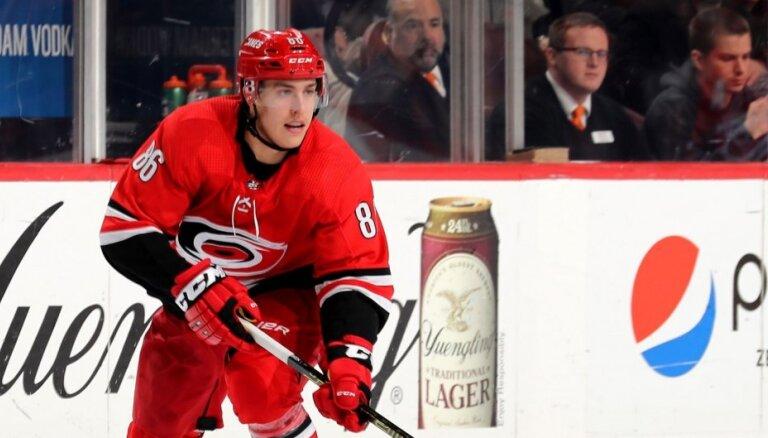 Koskinens un Tereveinens tiek pie brangiem līgumiem ar NHL komandām