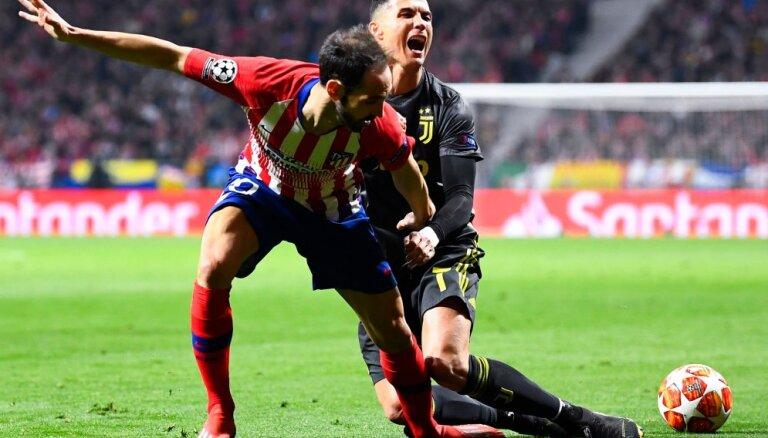 """Лига чемпионов: """"Ман Сити"""" вырвал победу в Гельзенкирхене, """"Юве"""" проиграл в Мадриде"""