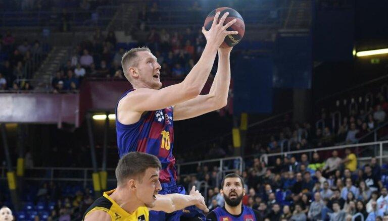 Šmitam seši punkti 'Barcelona' uzvarā pār 'Himki'