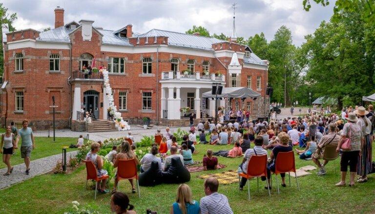 Četras iedvesmas šonedēļ apmeklēt Mākslas pikniku Lūznavas muižā