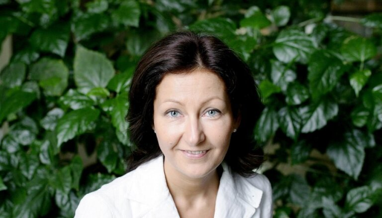 Bijusī 'De facto' žurnāliste Nagla strādās 'Ventspils naftā'