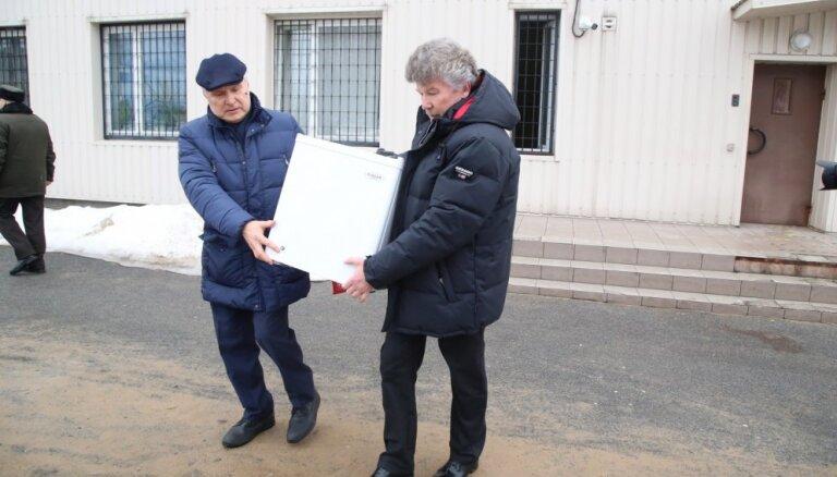 Iemaksāta Bemhena atbrīvošanai paredzētā 200 000 eiro drošības nauda