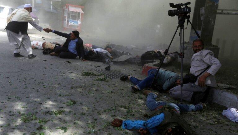 Sprādzienos Afganistānā gājuši bojā RFE/RL un AFP žurnālisti; nošauts BBC reportieris