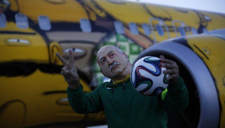 Сборная Бразилии получила модно раскрашенный Boeing 737