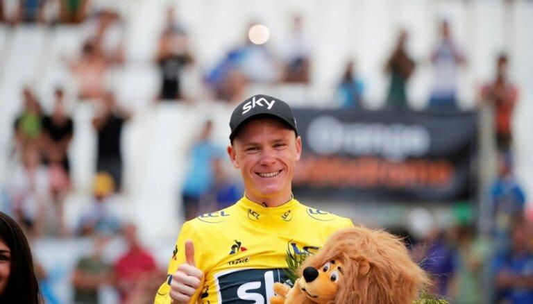 Uz titulēto britu riteņbraucēju Frūmu krīt dopinga aizdomu ēna