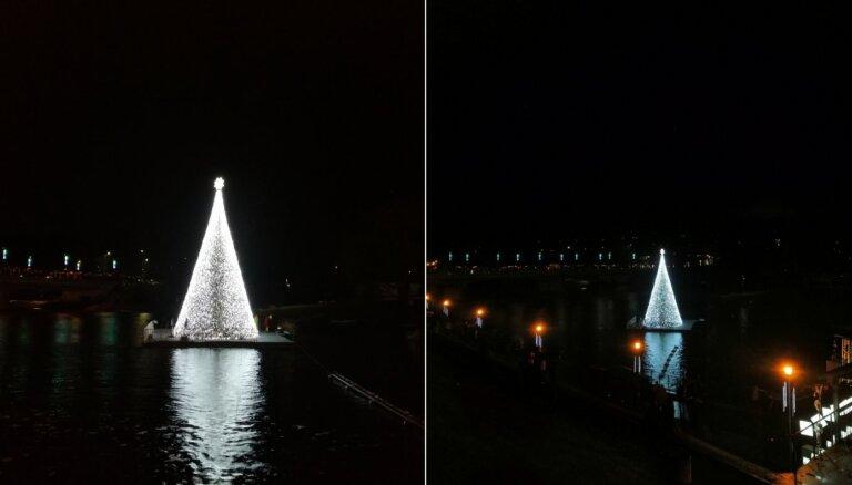 ФОТО. В Литве рождественскую елку установили прямо на реке