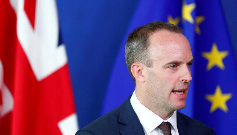 'Brexit' sarunas joprojām bez risinājuma Īrijas robežas jautājumā