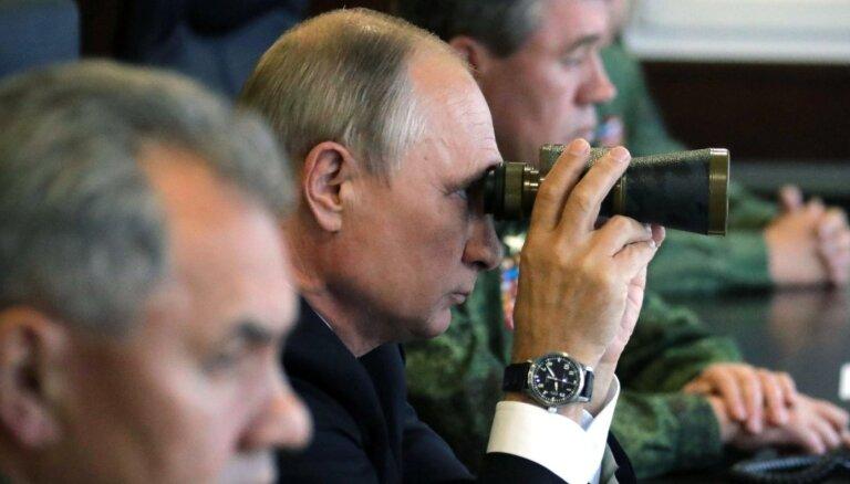 Kā nenosalt bērēs jeb Krievijas naidnieku garās rokas