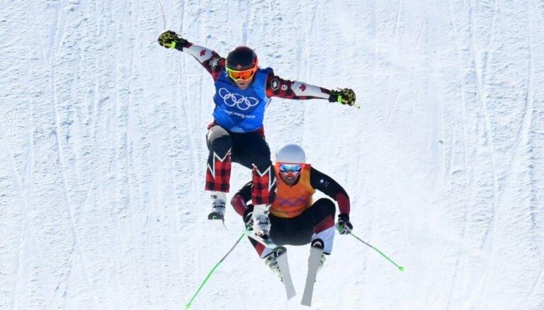 Kanādietis Lemans Phjončhanā uzvar dramatiskā frīstaila slēpošanas krosa finālā
