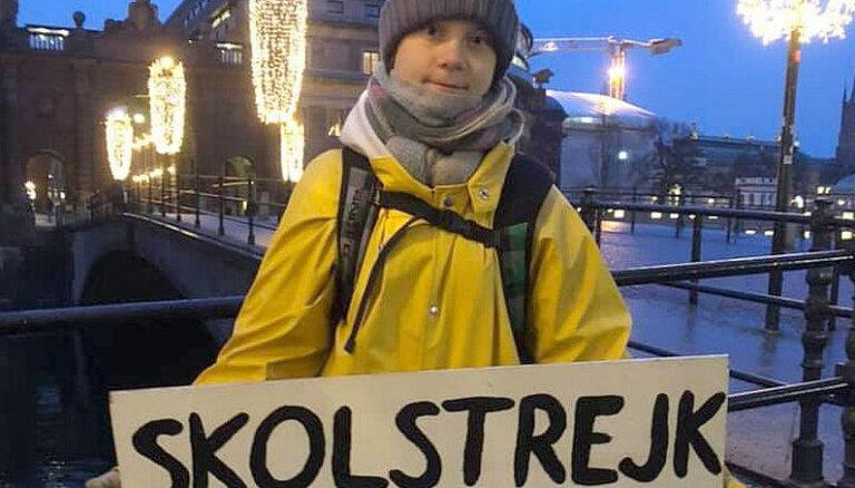 Tūnberga atgriežas pie saknēm – protestēšanas pie Zviedrijas parlamenta