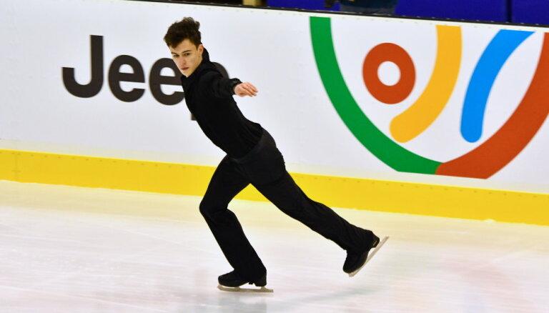 Daiļslidotājs Pavlovs trešajā vietā pēc Eiropas Jaunatnes ziemas Olimpiādes īsās programmas