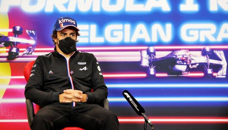 Alonso arī nākamsezon startēs 'Alpine' komandā
