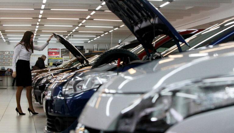Pandēmijas gads auto tirgū. Kritums, līderu maiņa un elektromobiļu pieplūdums