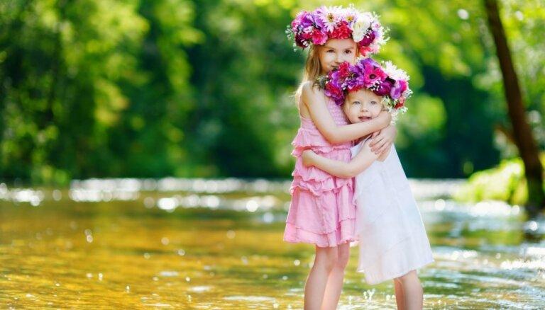 Kā glīti sapost bērnu svētkiem: meiteņu un zēnu modītes