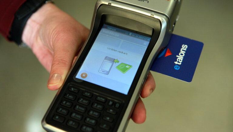 Rīgas satiksme: э-талон можно будет пополнять через мобильное приложение