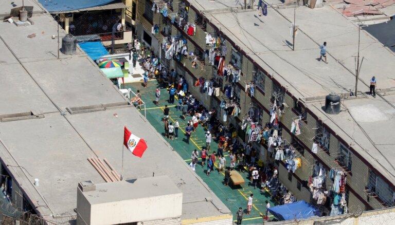 Nemieros Peru cietumā bojā gājuši deviņi cilvēki