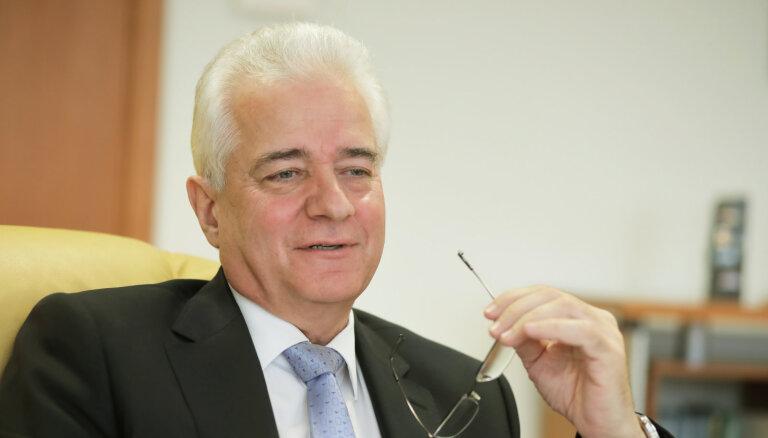 """Формула и-и. Посол Беларуси о """"нешоковой терапии"""" и выборе между Россией и Западом"""