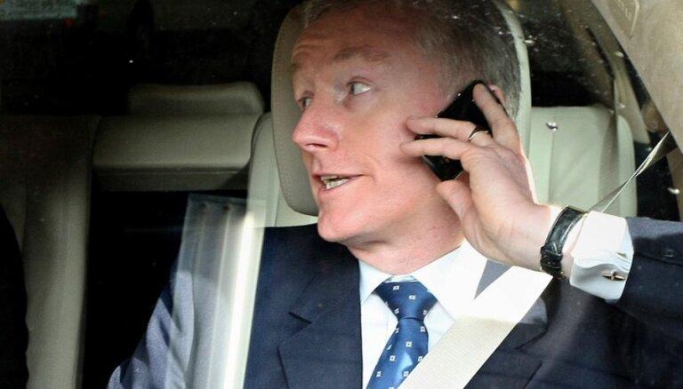 Britu finanšu krīzē vainotās bankas RBS bijušajam vadītājam atņem bruņinieka titulu