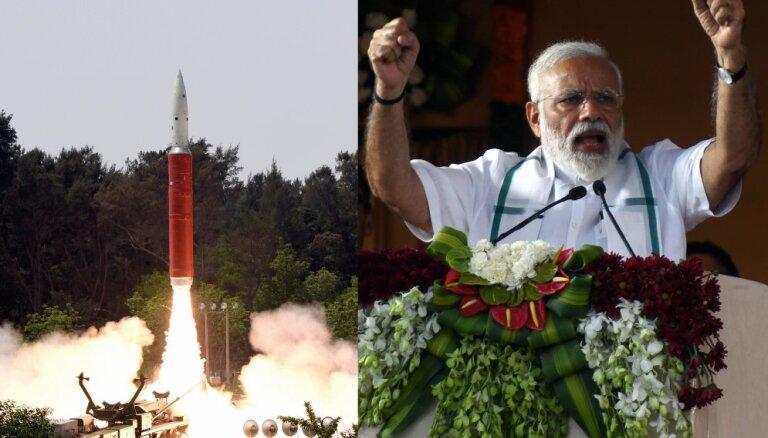 Indija piesaka sevi kā kosmosa lielvalsti – notriekusi pati savu satelītu