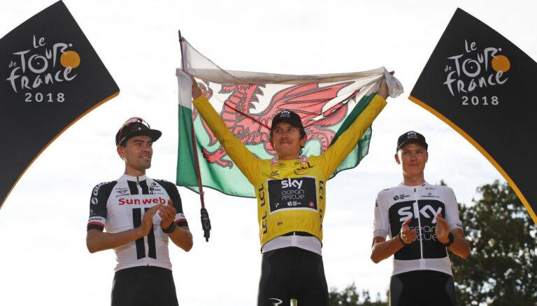 Lielbritānijas riteņbraucējs Tomass triumfē 'Tour de France'