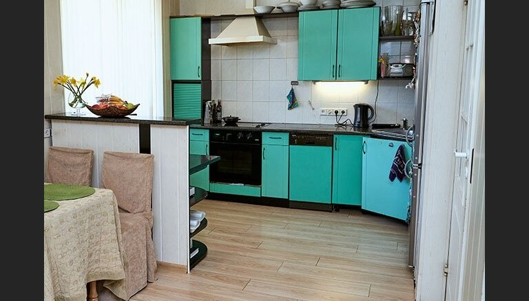 Foto: Mazas virtuves stilīgās pārvērtības