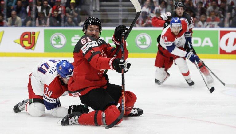 Сборная Канады забросила чехам пять шайб в полуфинале чемпионата мира