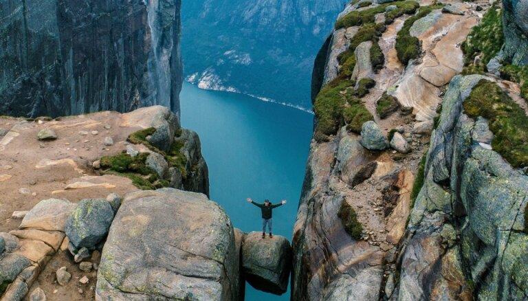 Apbrīnojami kadri: deviņu dienu ceļojums, apskatot Norvēģijas iespaidīgo dabu