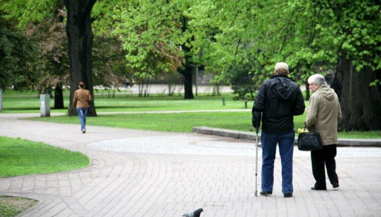 Pēc indeksācijas vidējā vecuma pensija pieaugs par 18,27 eiro, lepojas Reirs