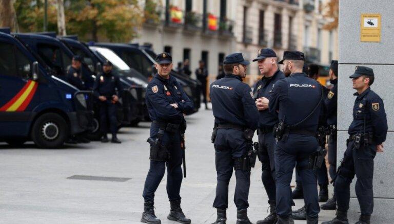 В Испании тысячи человек вышли на улицы в поддержку радикального рэпера