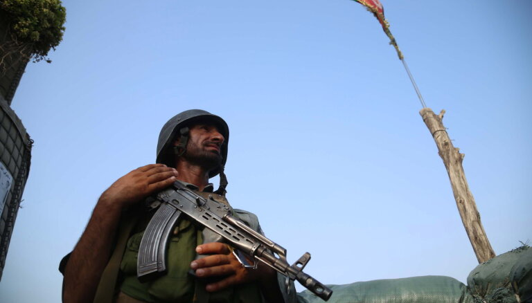 Krievija piegādās bruņojumu Afganistānas kaimiņvalstīm