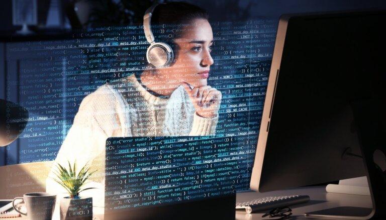 'Riga TechGirls' aicina sievietes pieteikties tiešsaistes apmācībām tehnoloģiju nozarē