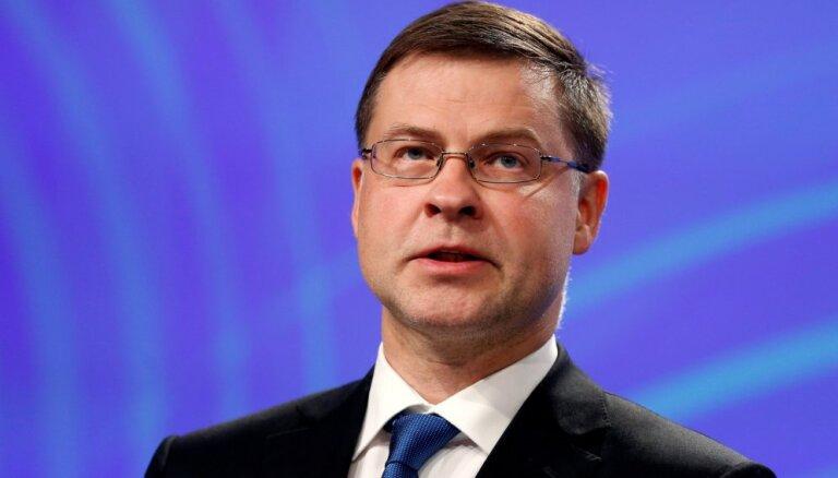 Домбровскис: Латвии важно добиться прогресса в выполнении рекомендаций Moneyval