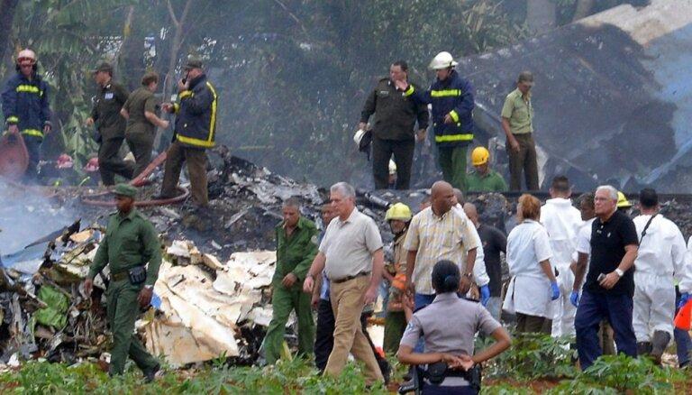 Lidmašīnas avārijā Kubā vismaz 100 bojāgājušie; sākta izmeklēšana